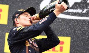 Vince Verstappen, miracolo Vettel vince verstappen, miracolo vettel Vince Verstappen, miracolo Vettel Max Verstappen 744x445 300x179