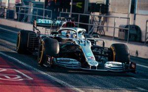 le mercedes uniche in pista Le Mercedes uniche in pista lewis hamilton testing 2020 back on track 01 300x188