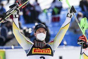 Foss Solevaag oro in slalom GEPA 20210221 101 134 0192 300x200